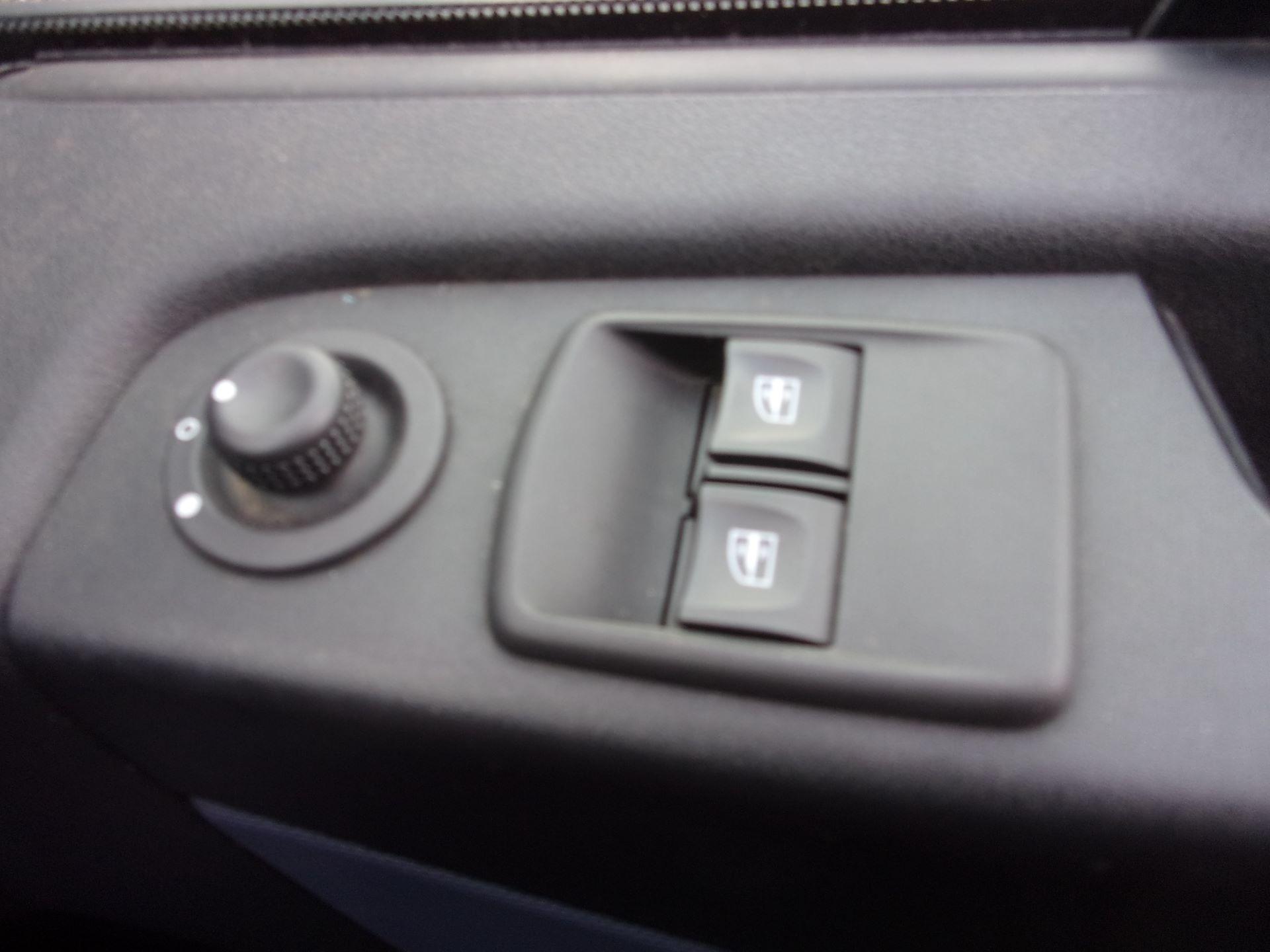 2017 Vauxhall Vivaro L2 H1 2900 1.6 CDTI 120PS EURO 6 (DY67DWG) Image 7