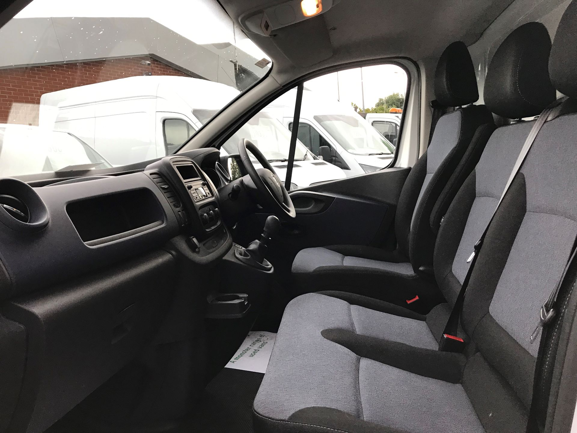 2017 Vauxhall Vivaro L2 H1 2900 1.6CDTI 120PS EURO 6 (DY67MXD) Image 16