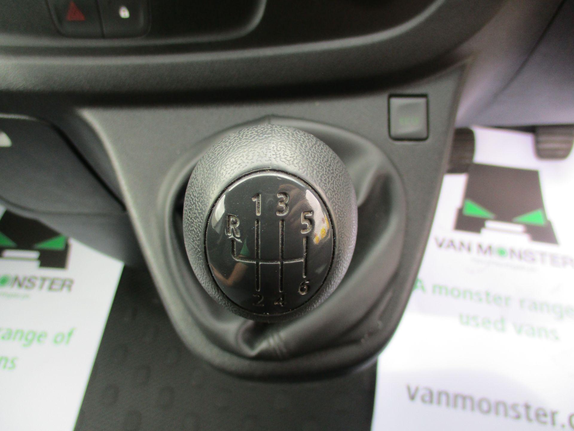 2017 Vauxhall Vivaro L2 H1 2900 1.6CDTI 120PS DOUBLE CAB  EURO 6 (DY67MYF) Image 16