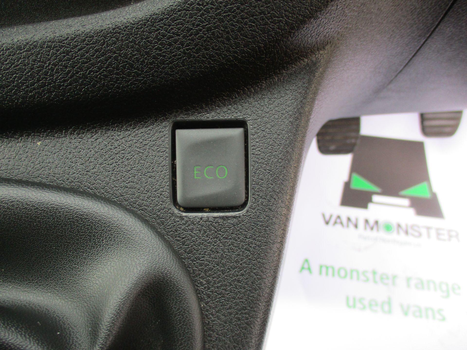 2017 Vauxhall Vivaro L2 H1 2900 1.6CDTI 120PS DOUBLE CAB  EURO 6 (DY67MYF) Image 22