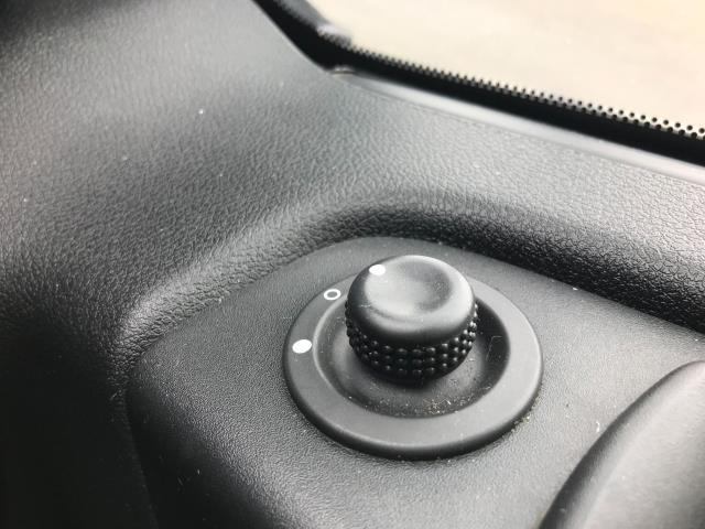 2017 Vauxhall Vivaro L2 H1 2900 1.6CDTI 120PS EURO 6 (DY67MYS) Image 24