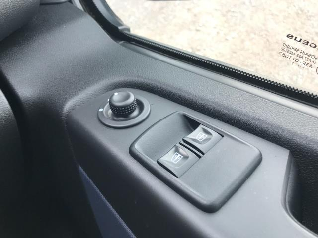 2017 Vauxhall Vivaro L2 H1 2900 1.6CDTI 120PS DOUBLE CAB  EURO 6 (DY67MYV) Image 37