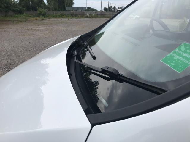 2017 Vauxhall Vivaro L2 H1 2900 1.6CDTI 120PS DOUBLE CAB  EURO 6 (DY67MYV) Image 22