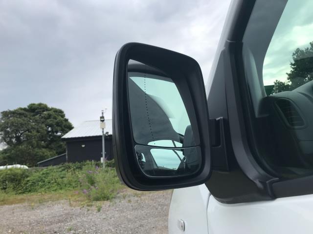 2017 Vauxhall Vivaro L2 H1 2900 1.6CDTI 120PS DOUBLE CAB  EURO 6 (DY67MYV) Image 16