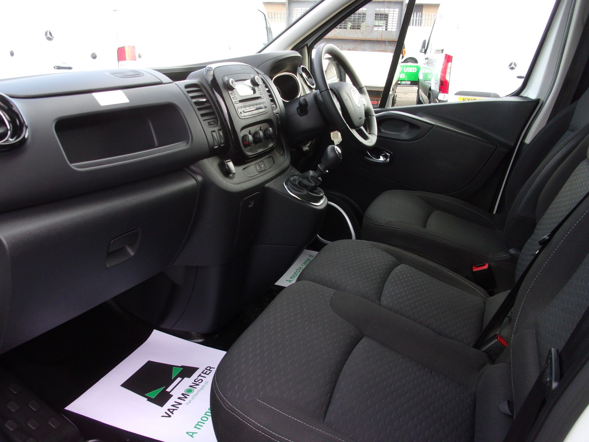 2018 Vauxhall Vivaro L2 H1 2900 1.6 CDTI 120PS SPORTIVE VAN EURO 6 (DY68XON) Image 15