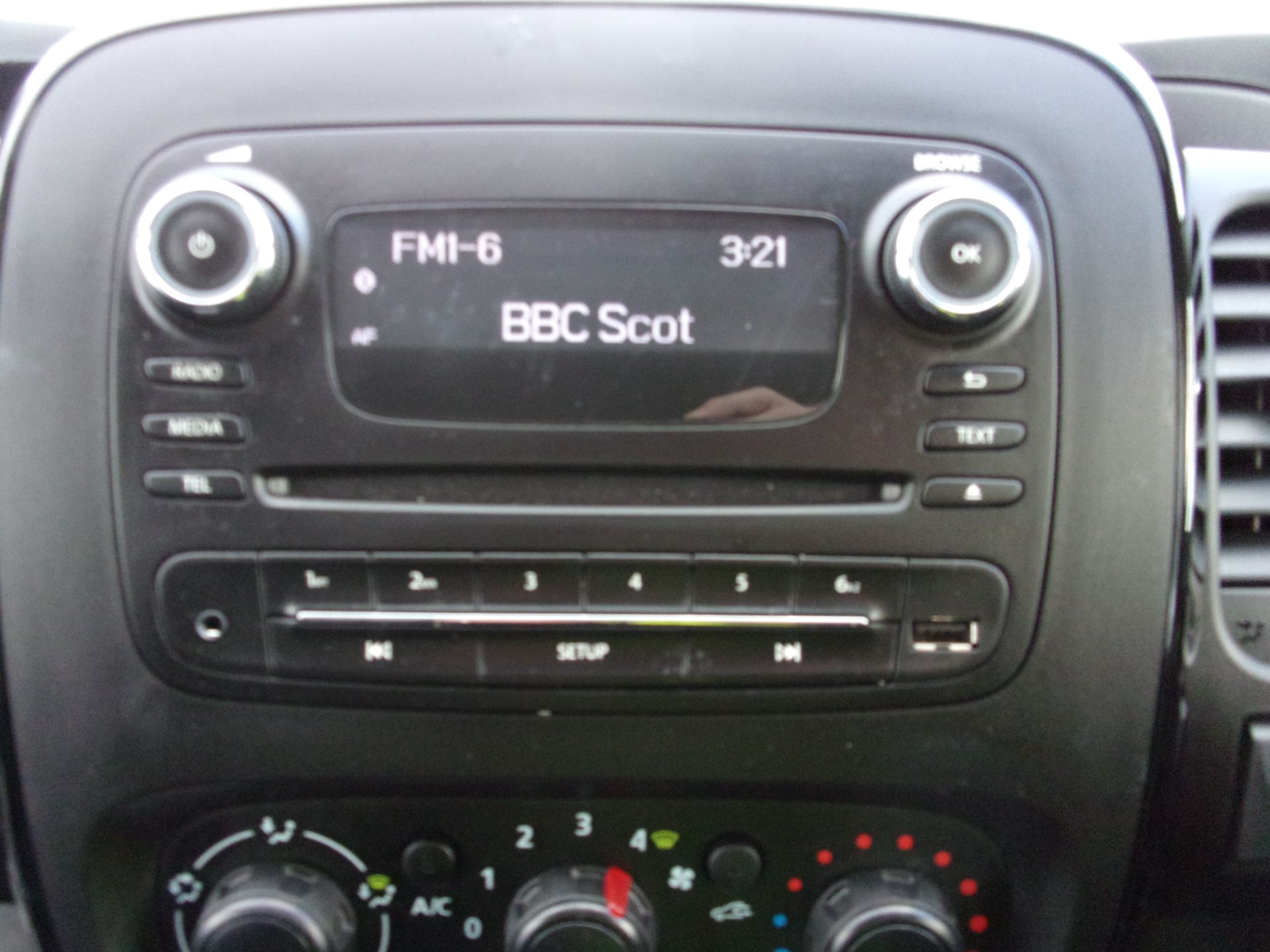 2018 Vauxhall Vivaro L2 H1 2900 1.6 CDTI 120PS SPORTIVE VAN EURO 6 (DY68XON) Image 3