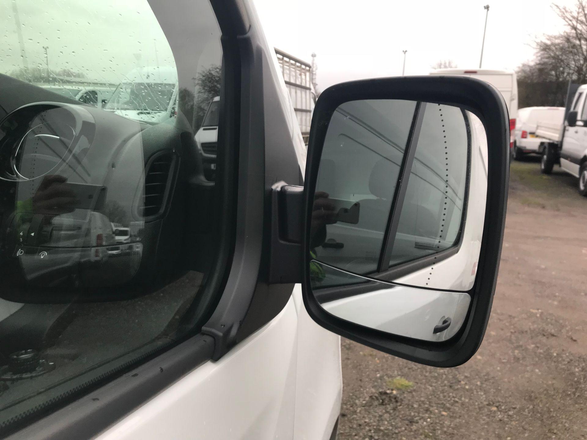 2018 Vauxhall Vivaro 2900 1.6Cdti 120Ps Sportive H1 Van (DY68XRU) Image 16