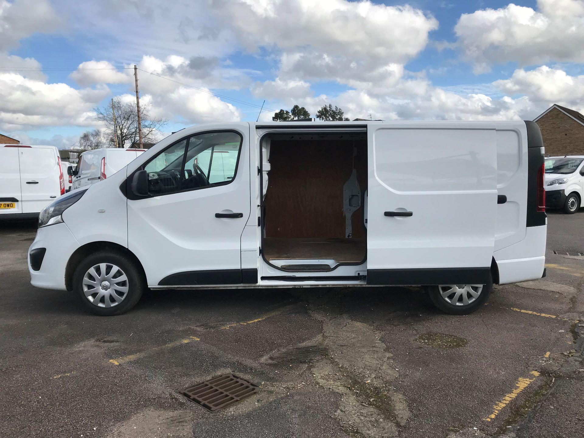 2018 Vauxhall Vivaro  L2 H1 2900 1.6 CDTI 120PS SPORTIVE EURO 6 (DY68XYH) Image 10