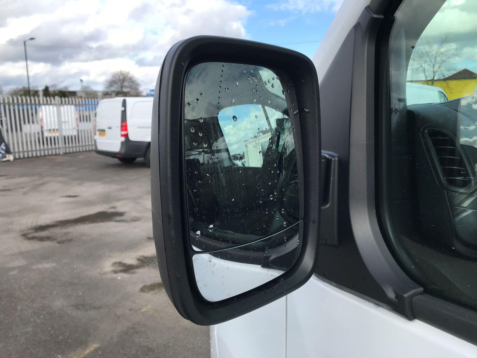 2018 Vauxhall Vivaro  L2 H1 2900 1.6 CDTI 120PS SPORTIVE EURO 6 (DY68XYH) Image 11