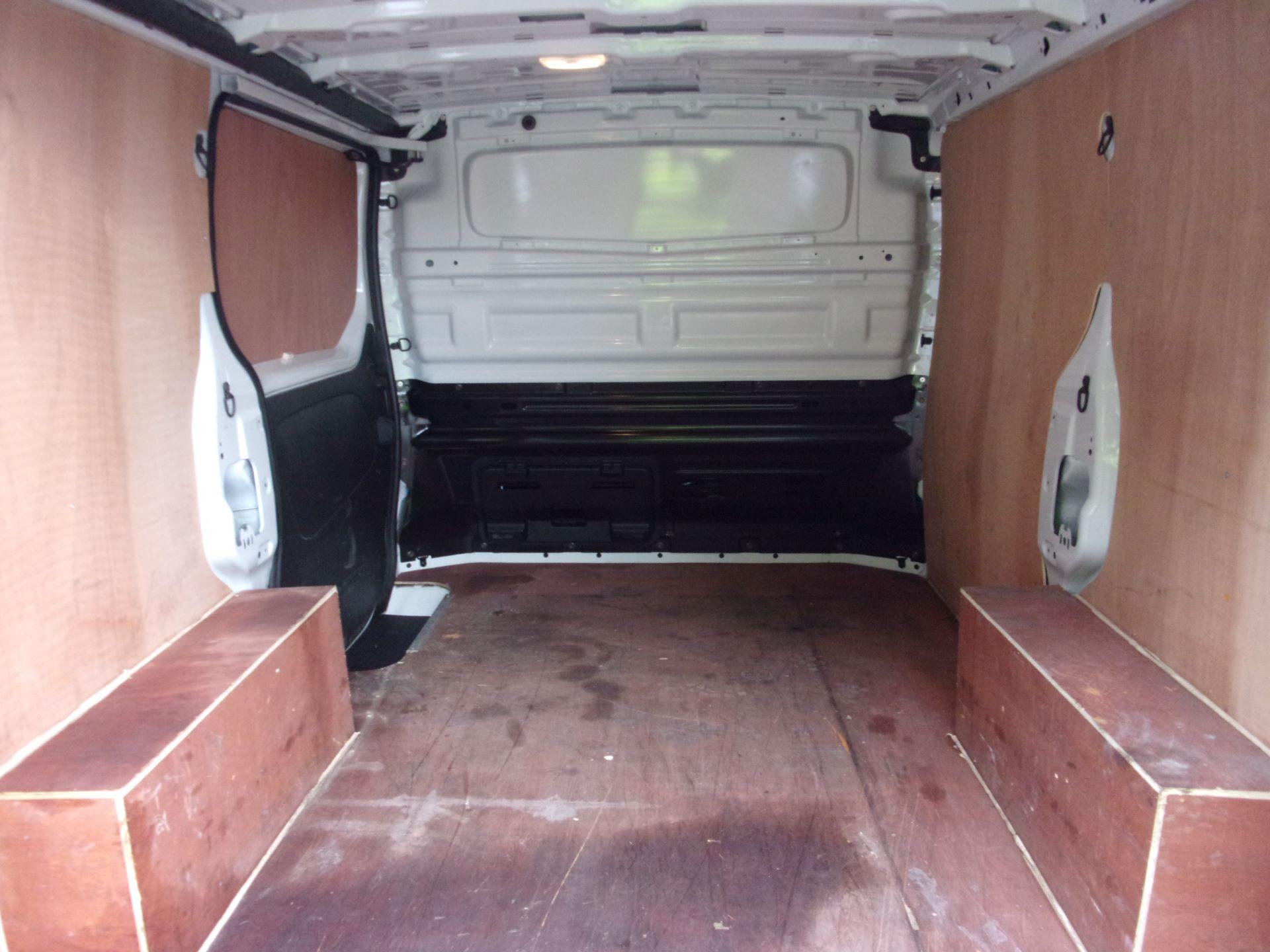 2018 Vauxhall Vivaro L1 H1 2900 1.6 CDTI 120PS SPORTIVE VAN EURO 6 (DY68YYE) Image 22