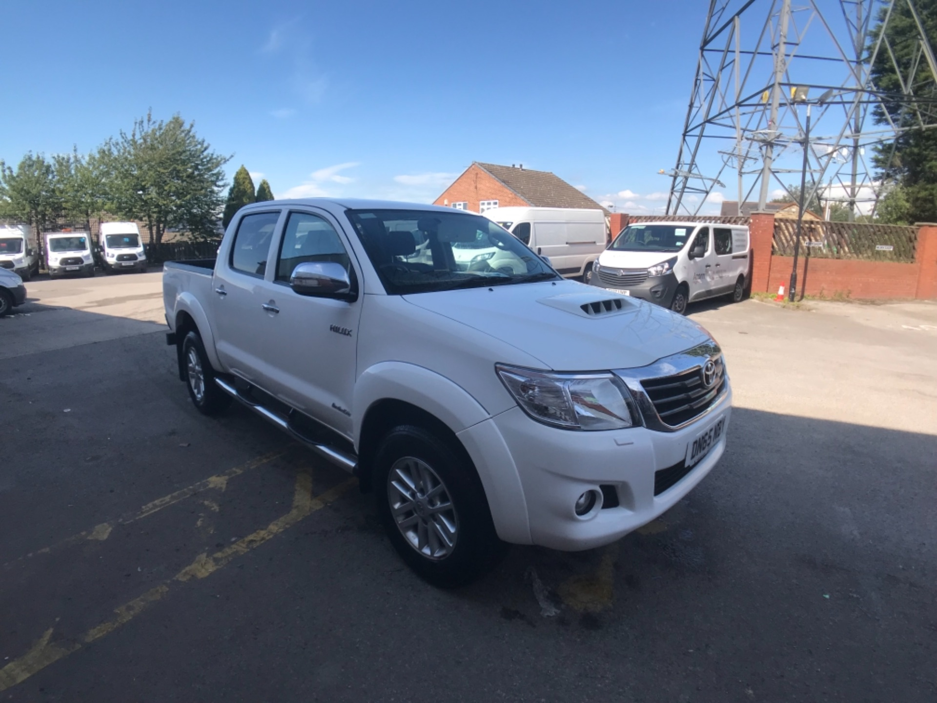 2015 Toyota Hilux  D/Cab Pick Up 3.0 D-4D 4Wd 171 Auto Invincible EURO 5 (DN65NBY)