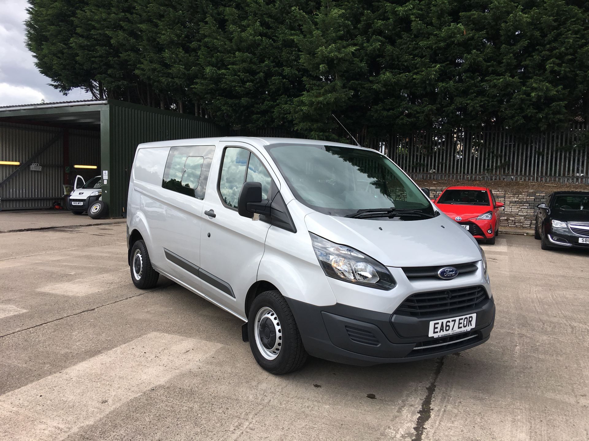 2017 Ford Transit Custom 290 L2 DIESEL FWD 2.0 TDCI 105PS  LOW ROOF DOUBLE CAB EURO 6 (EA67EOR)