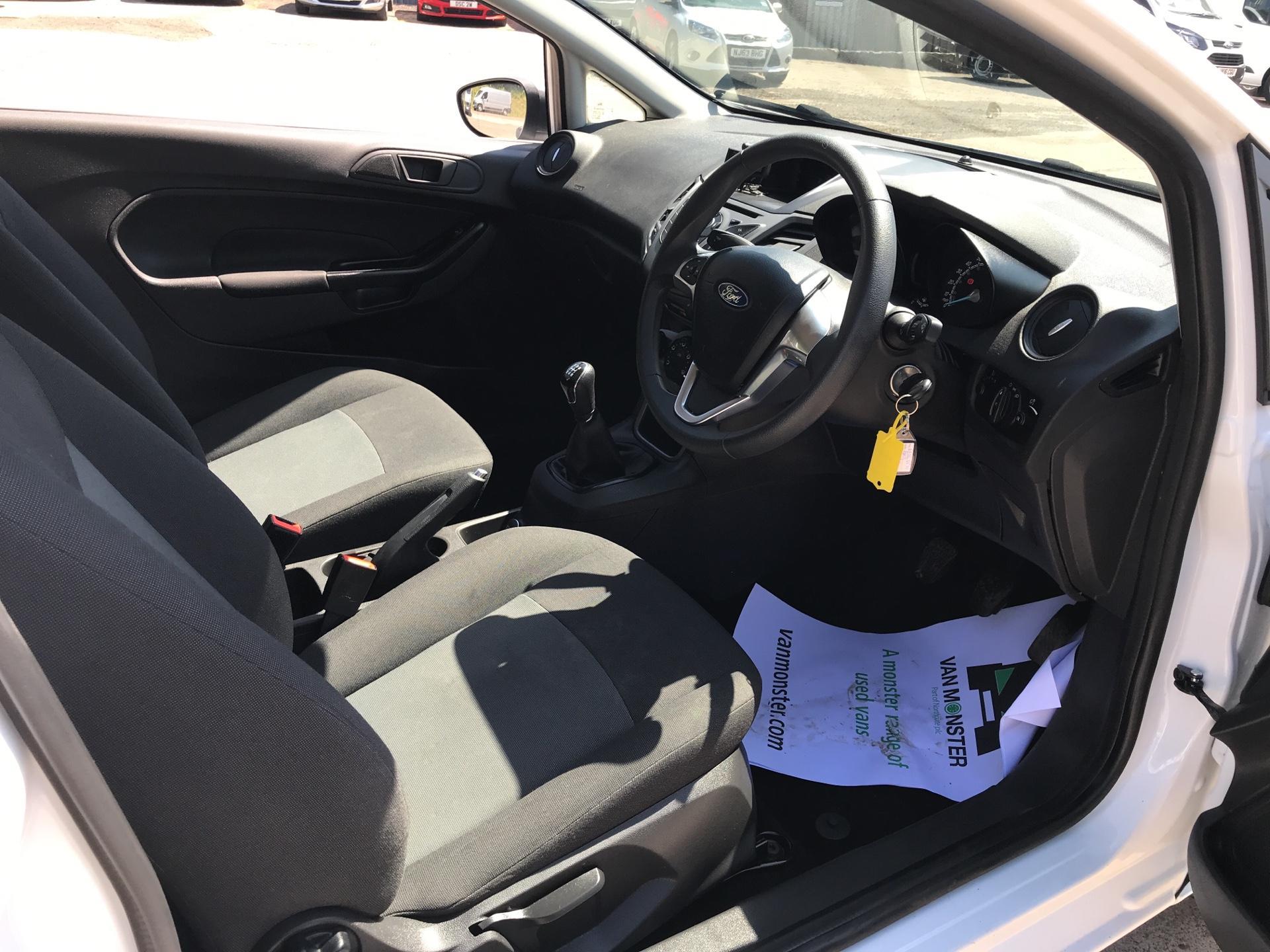 2016 Ford Fiesta DIESEL 1.5 TDCI VAN EURO 5/6 (EF16VZW) Image 9