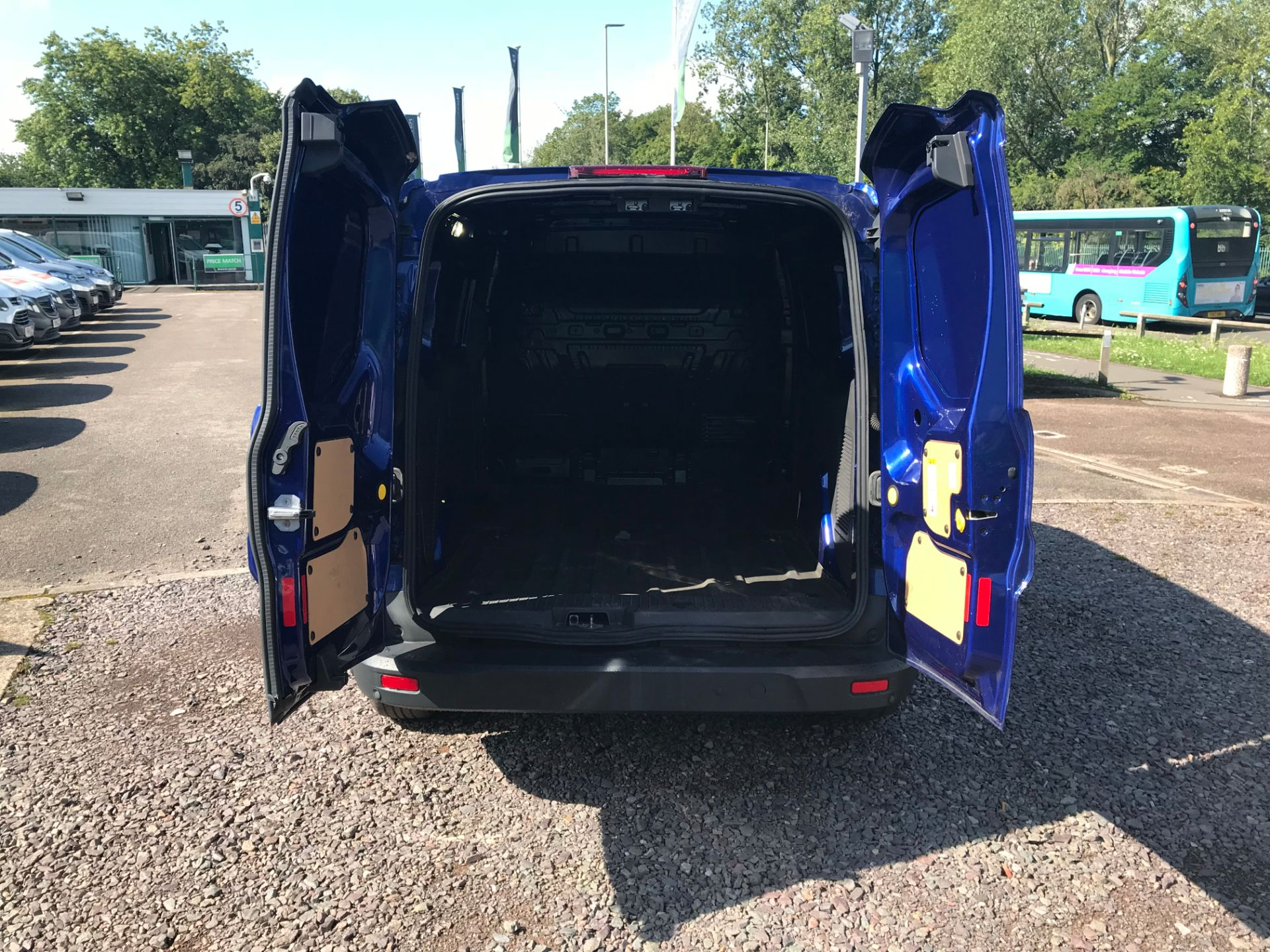 2017 Ford Transit Connect 240 L2 1.6 120PS LIMITED BLUE Euro 5 (EJ67CTE) Thumbnail 5