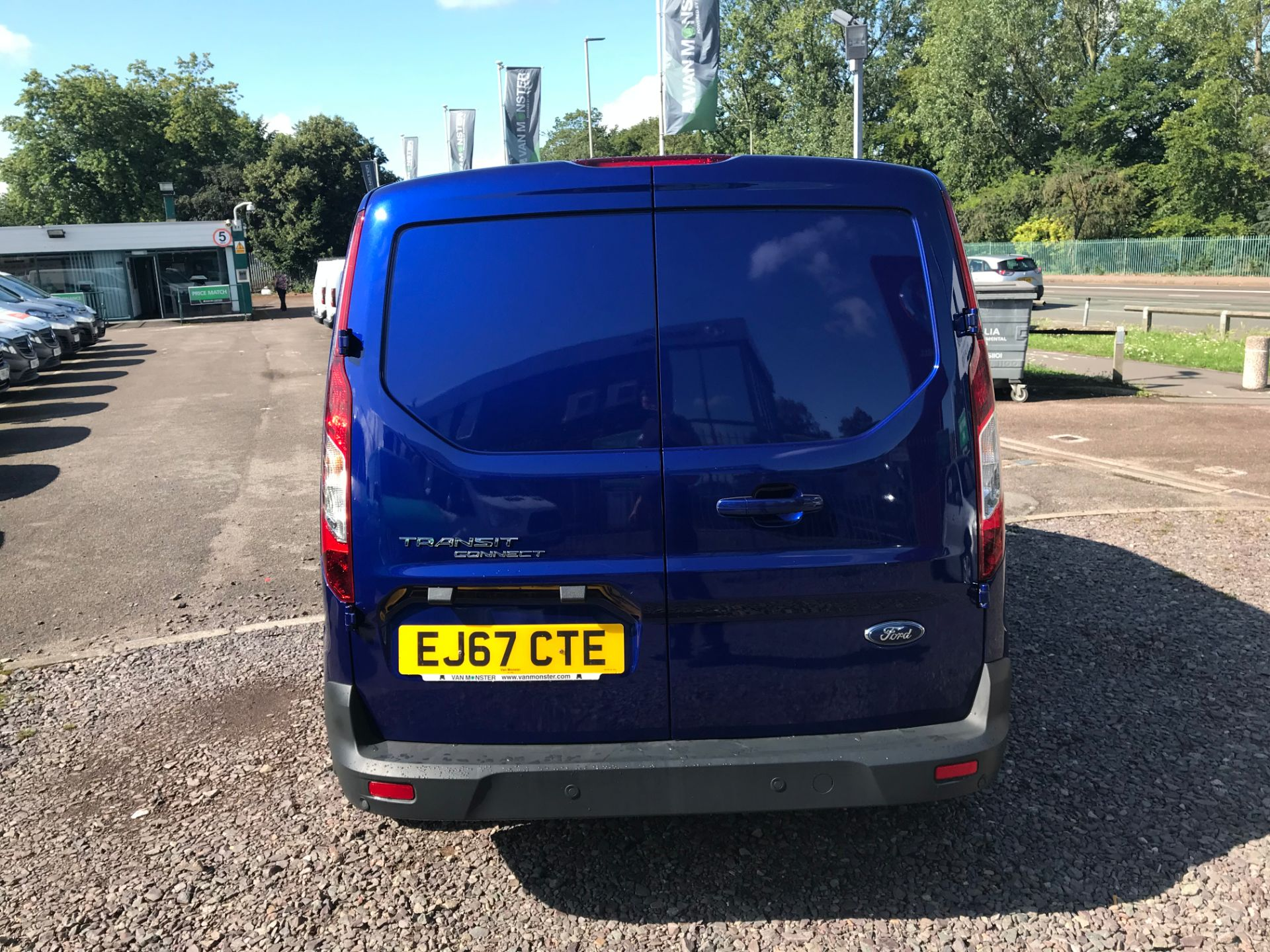 2017 Ford Transit Connect 240 L2 1.6 120PS LIMITED BLUE Euro 5 (EJ67CTE) Thumbnail 4