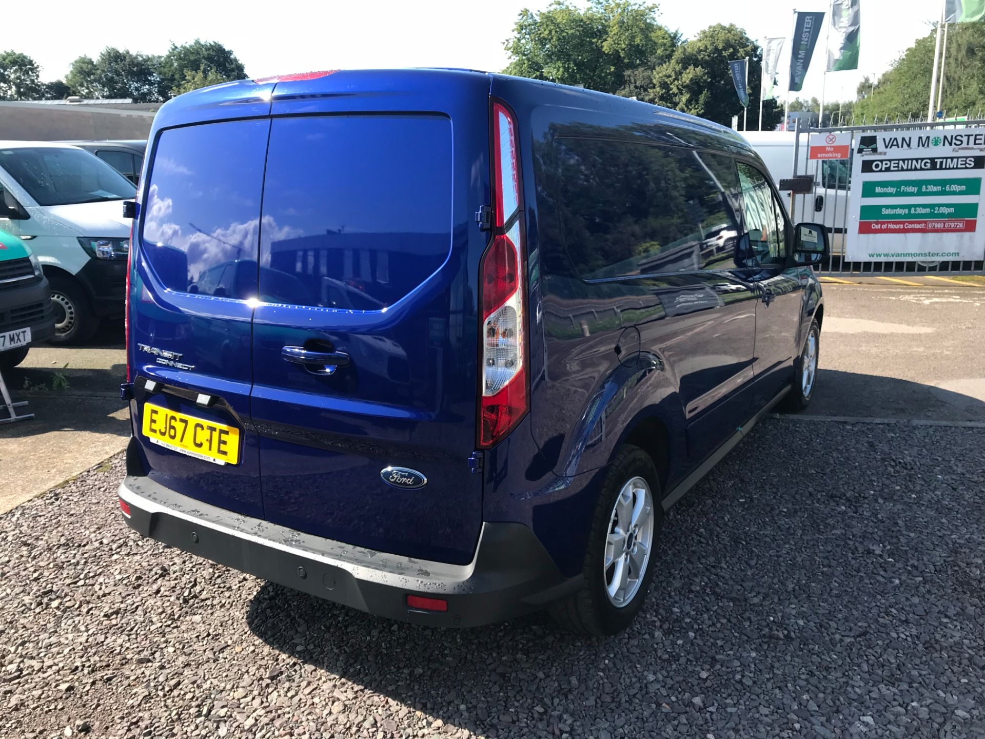 2017 Ford Transit Connect 240 L2 1.6 120PS LIMITED BLUE Euro 5 (EJ67CTE) Thumbnail 3