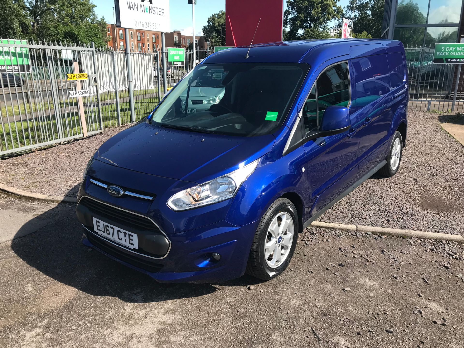 2017 Ford Transit Connect 240 L2 1.6 120PS LIMITED BLUE Euro 5 (EJ67CTE) Thumbnail 9