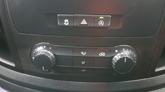 2015 Mercedes-Benz Vito LONG 114CDI BLUETEC VAN EURO 5  (EK65WME) Image 27