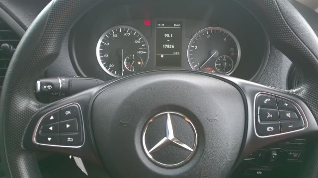 2015 Mercedes-Benz Vito LONG 114CDI BLUETEC VAN EURO 5  (EK65WME) Image 25
