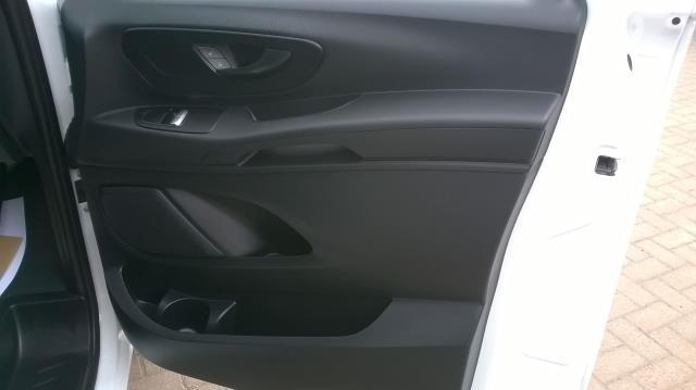 2015 Mercedes-Benz Vito LONG 114CDI BLUETEC VAN EURO 5  (EK65WME) Image 18