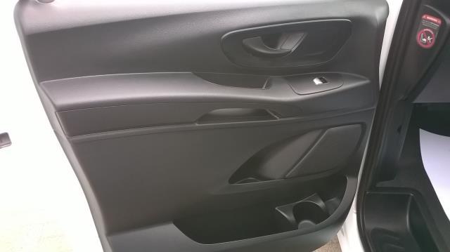 2015 Mercedes-Benz Vito LONG 114CDI BLUETEC VAN EURO 5  (EK65WME) Image 6