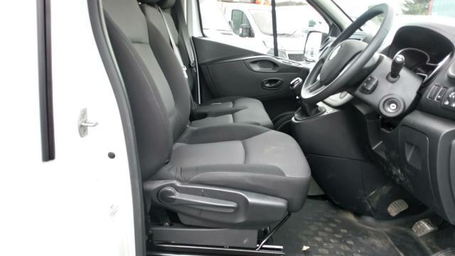 2020 Renault Trafic Sl28 Energy Dci 120 Business Van (EK70MTF) Image 17
