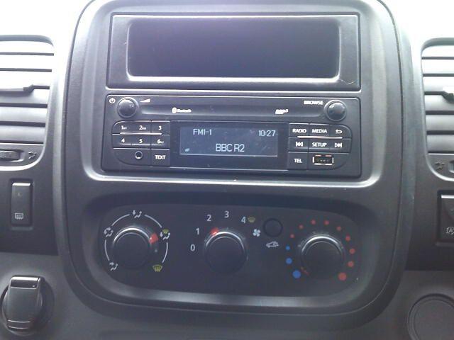 2020 Renault Trafic Sl28 Energy Dci 120 Business Van (EK70MWG) Image 3