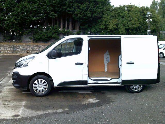 2020 Renault Trafic Sl28 Energy Dci 120 Business Van (EK70MWG) Image 20