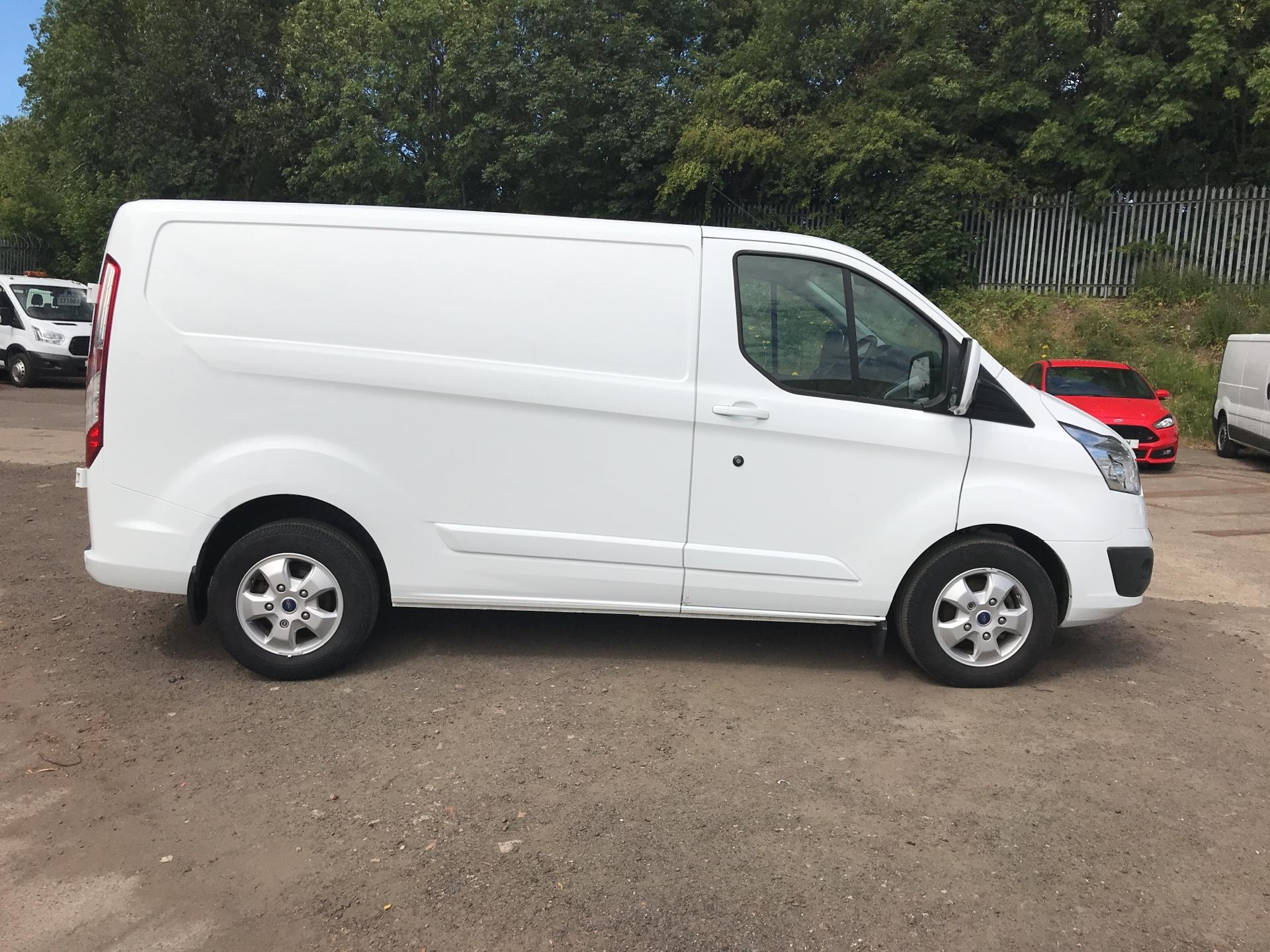 2017 Ford Transit Custom 270 L1 DIESEL FWD 2.0 TDCI 130PS LOW ROOF LIMITED EURO 6 (EO17GVM) Image 2