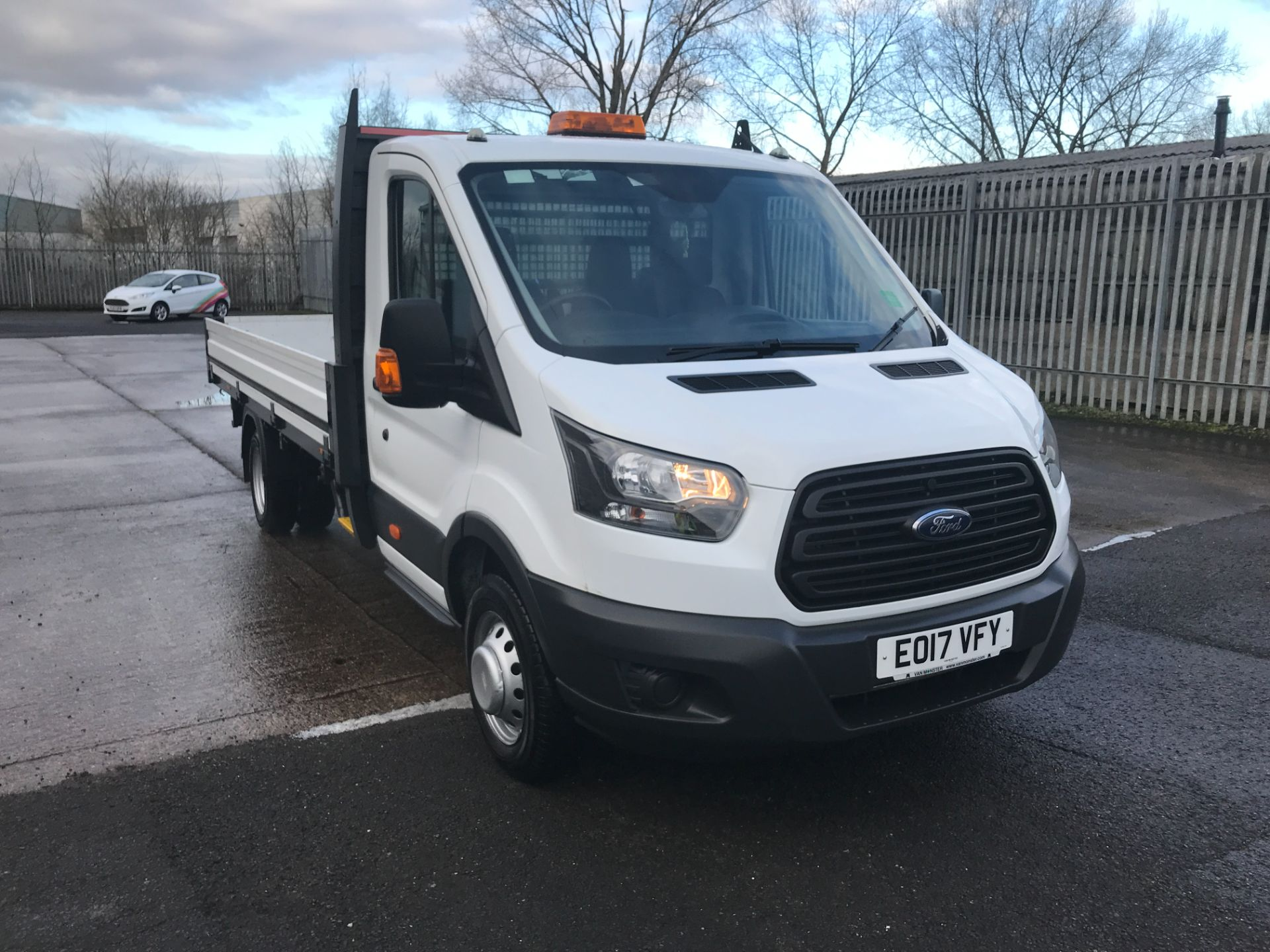 2017 Ford Transit T350 13FT SINGLE CAB DROPSIDE 130PS EURO 6 (EO17VFY) Image 1