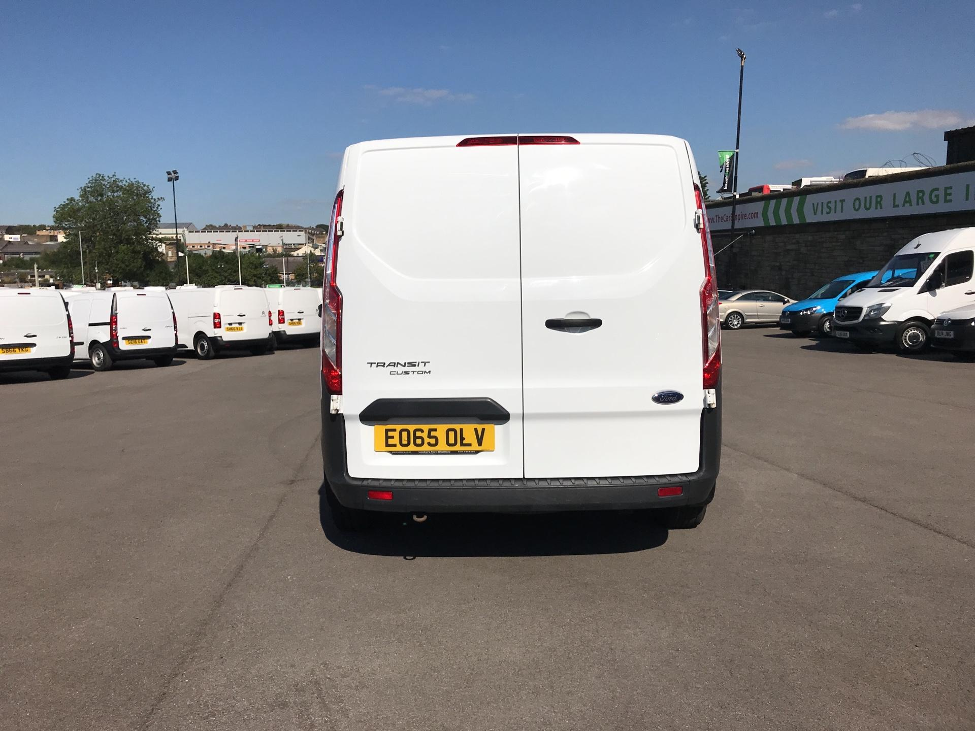 2015 Ford Transit Custom DIESEL L1 FWD 2.2 TDCI 100PS LOW ROOF VAN EURO 5 (EO65OLV) Image 4
