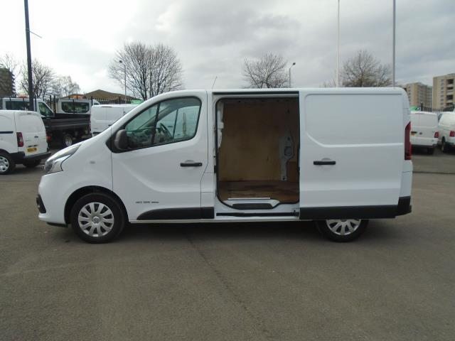 2016 Renault Trafic Sl27 Energy Dci 125 Business+ Van (EX66ABF) Thumbnail 13