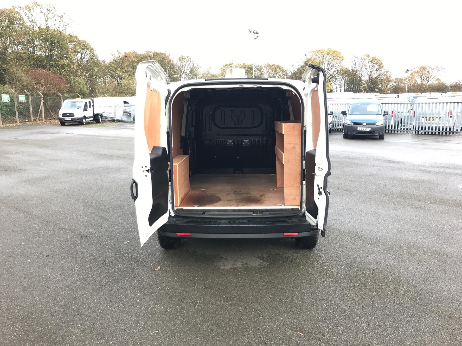 2015 Vauxhall Combo 2300 1.3 CDTI 16V ECOFLEX H1 VAN EURO 5 (FA15DDZ) Image 16
