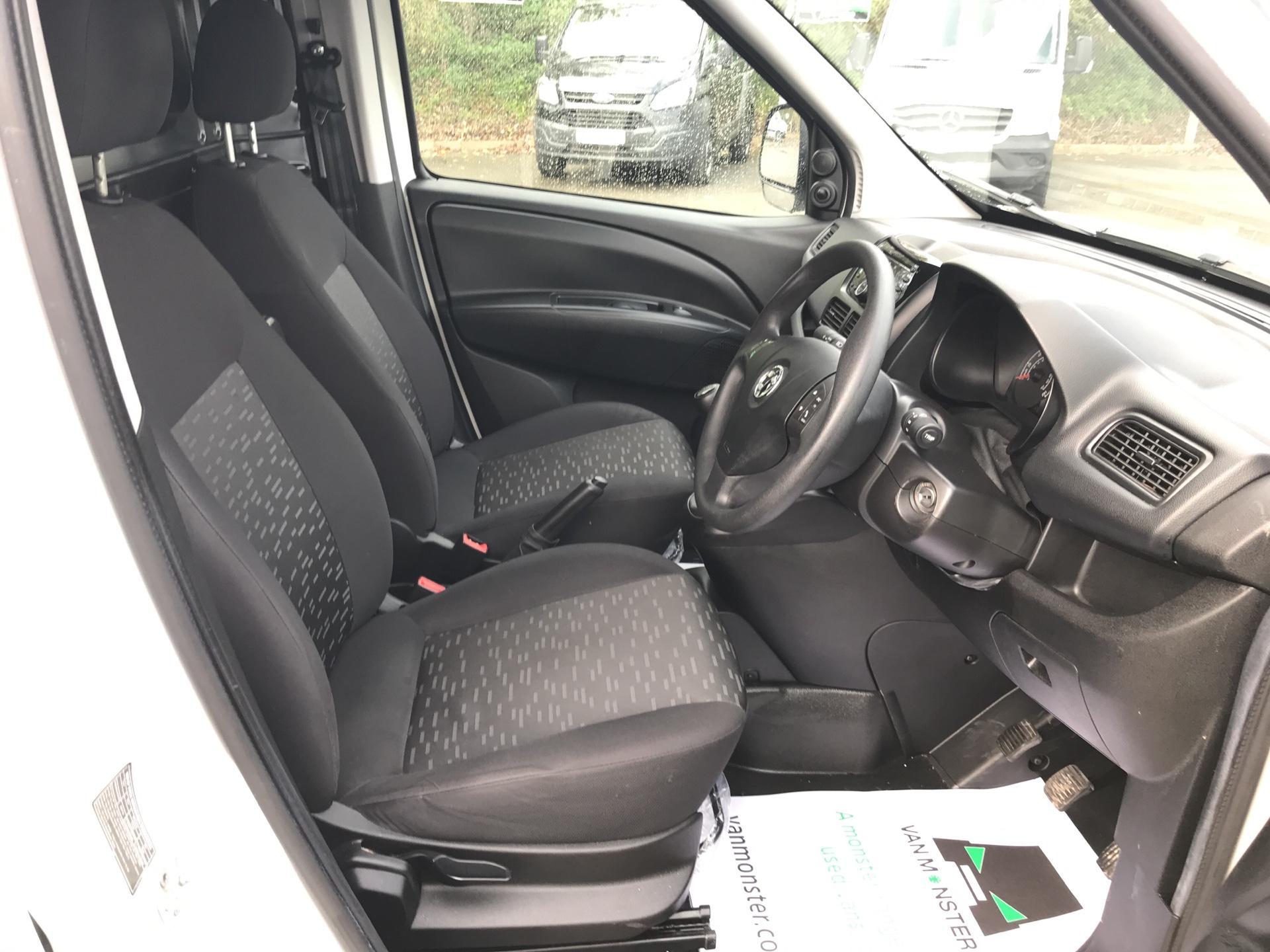 2015 Vauxhall Combo 2300 1.3 CDTI 16V ECOFLEX H1 VAN EURO 5 (FA15DDZ) Image 9