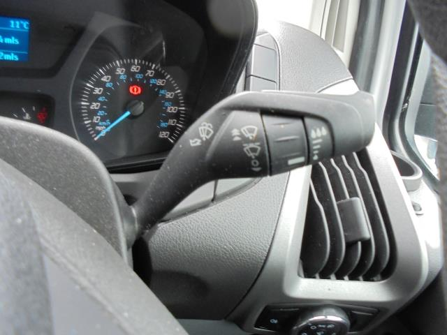 2016 Ford Transit Custom 290 L1 DIESEL FWD 2.2  TDCI 100PS LOW ROOF VAN EURO 5 (FA16UME) Image 25