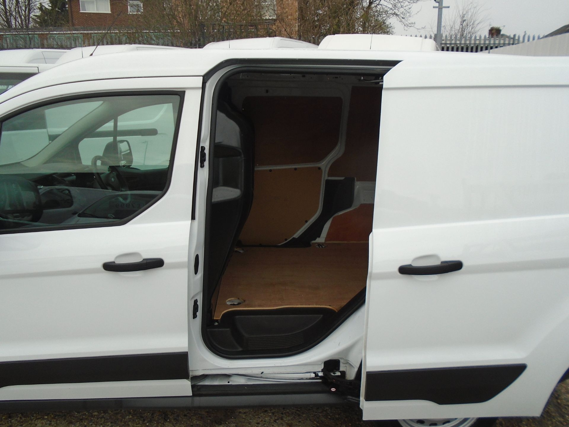 2016 Ford Transit Connect 1.5 Tdci 75Ps Van (FA16UNL) Thumbnail 9