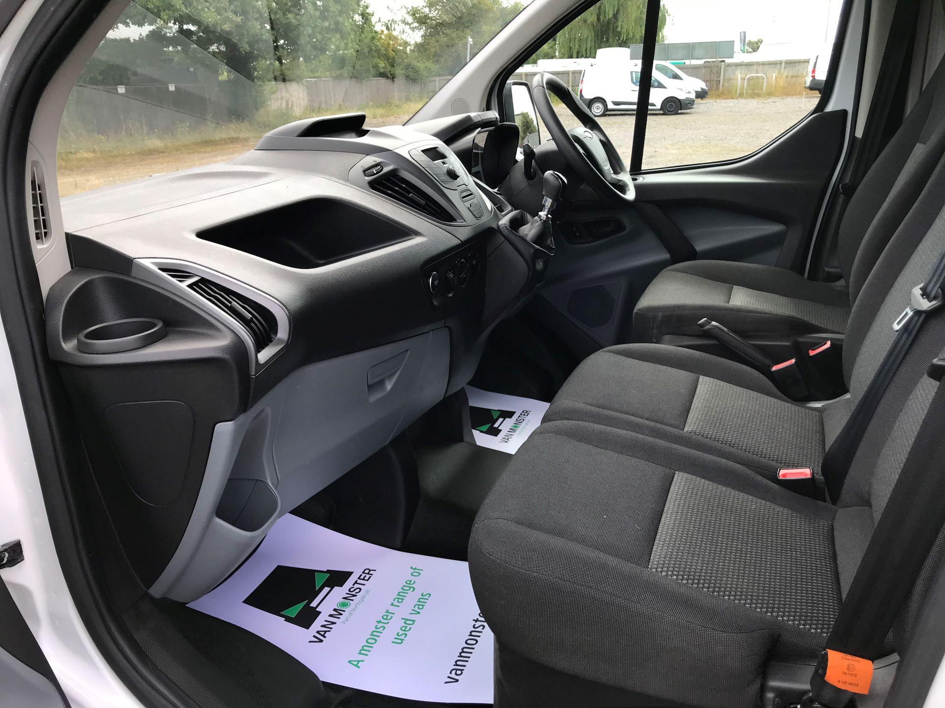 2016 Ford Transit Custom 290 L1 DIESEL FWD 2.2 TDCI 100PS LOW ROOF VAN EURO 5 (FA16UOD) Image 20