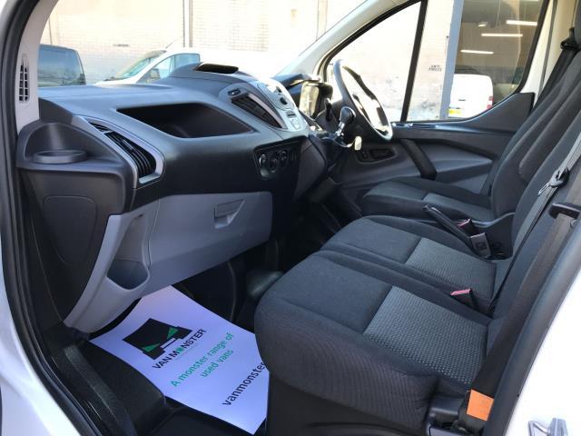 2017 Ford Transit Custom  290 L1 2.0TDCI 105PS LOW ROOF EURO 6 (FA17NWW) Image 12