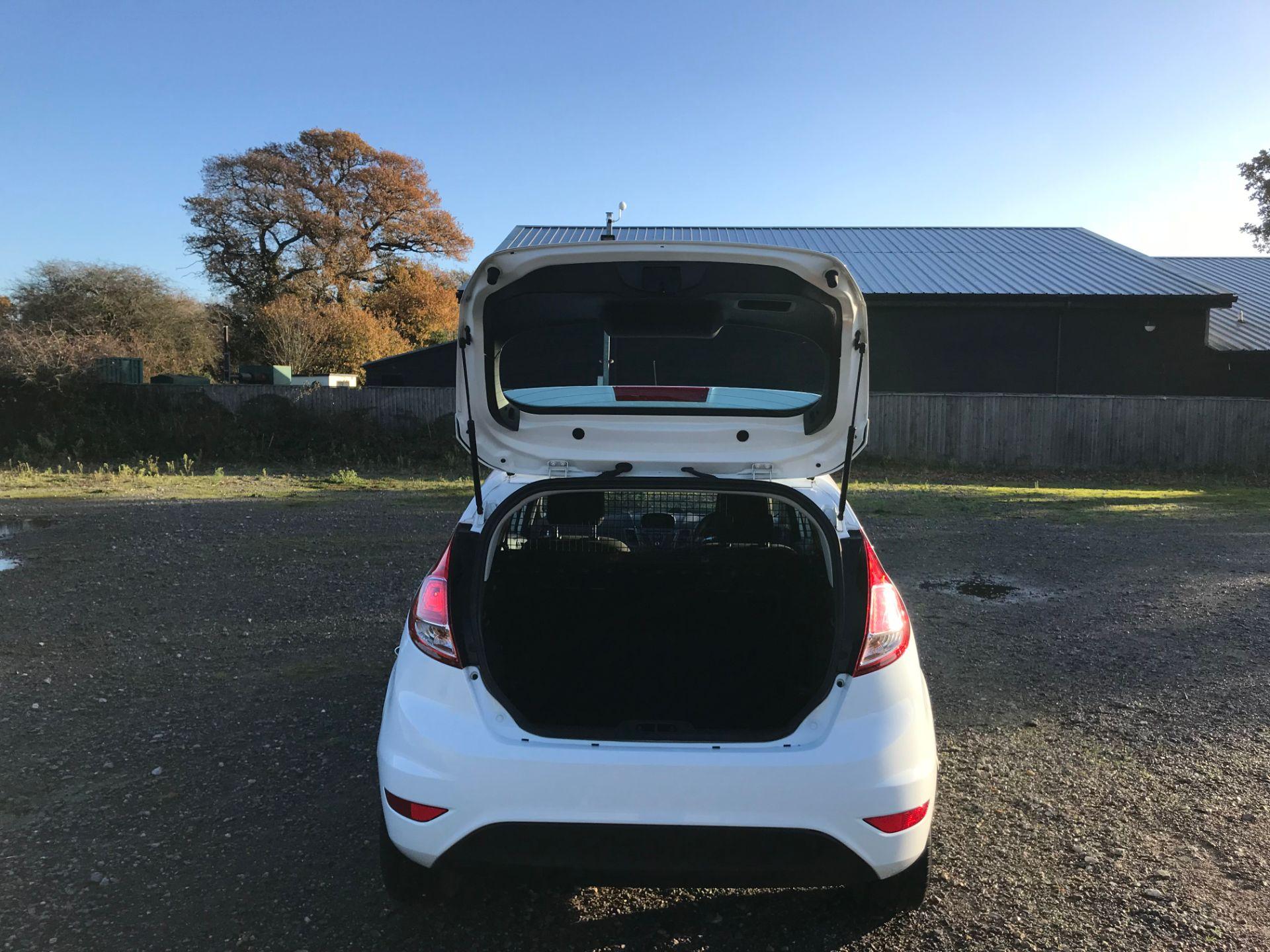 2017 Ford Fiesta 1.5 Tdci Van (FA17NYM) Image 9