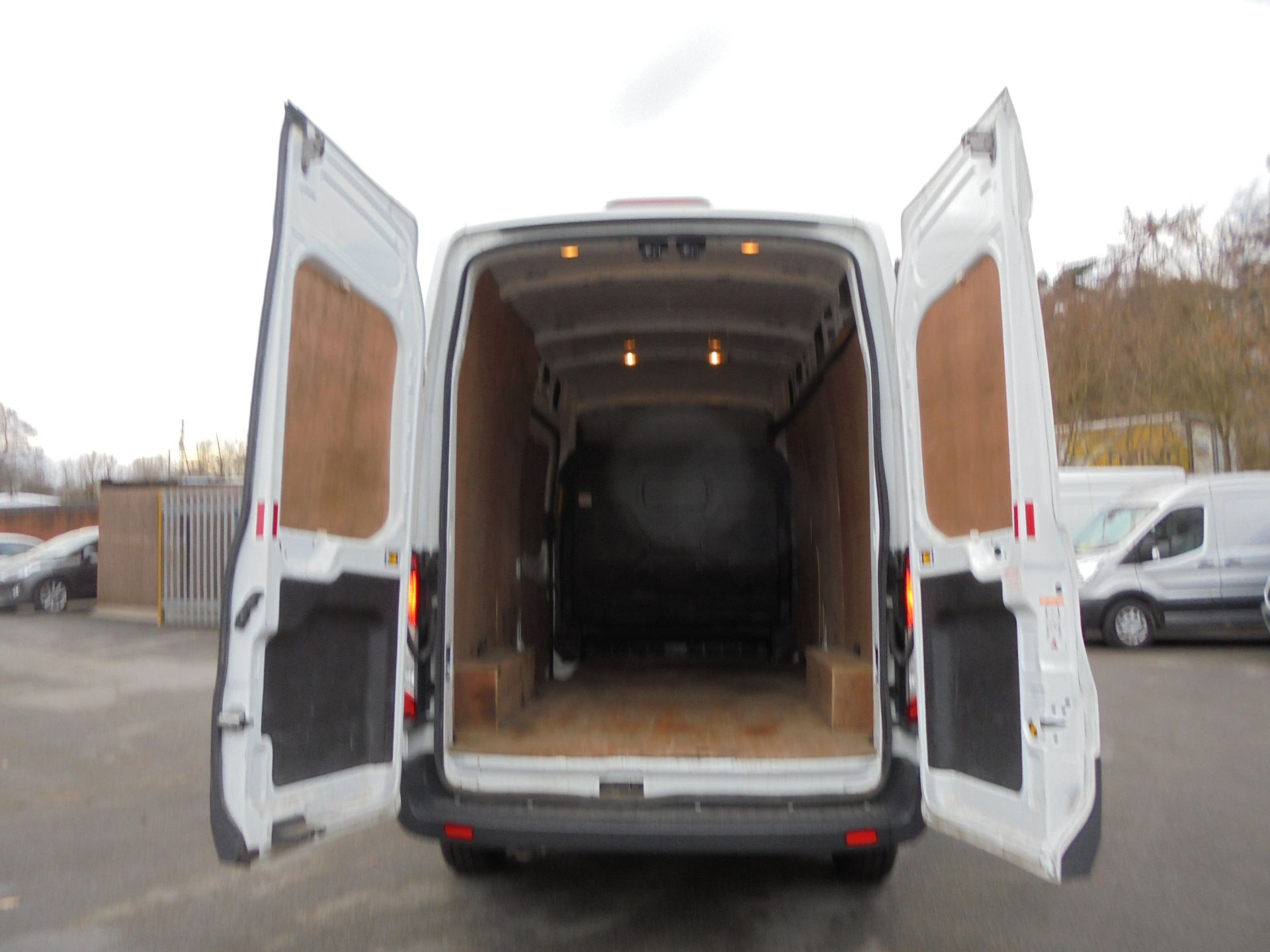 2017 Ford Transit 2.0 Tdci 130Ps H3 Van (FA17NZE) Image 9