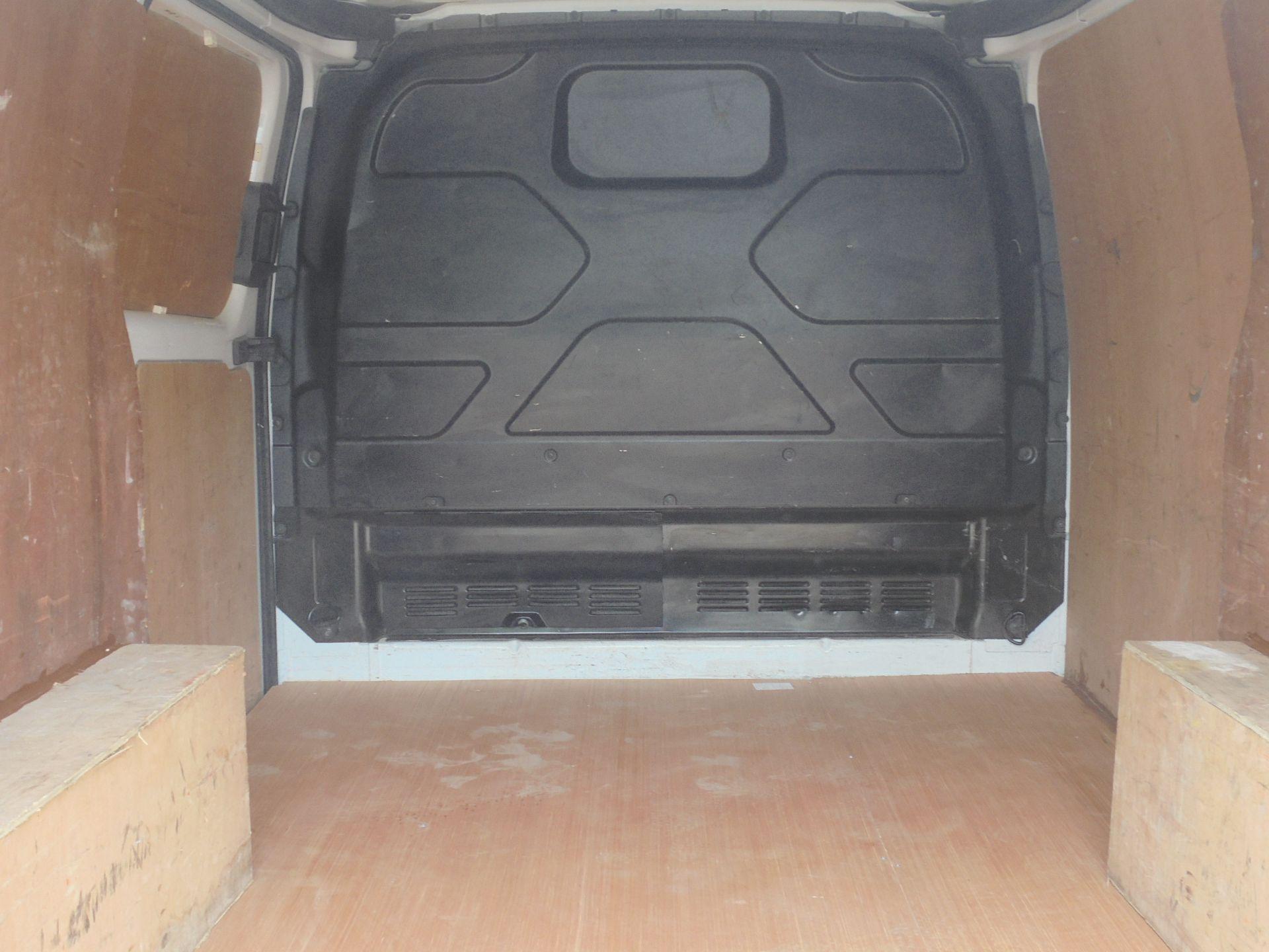 2017 Ford Transit Custom 2.0 Tdci 105Ps Low Roof Van (FA17NZR) Image 10