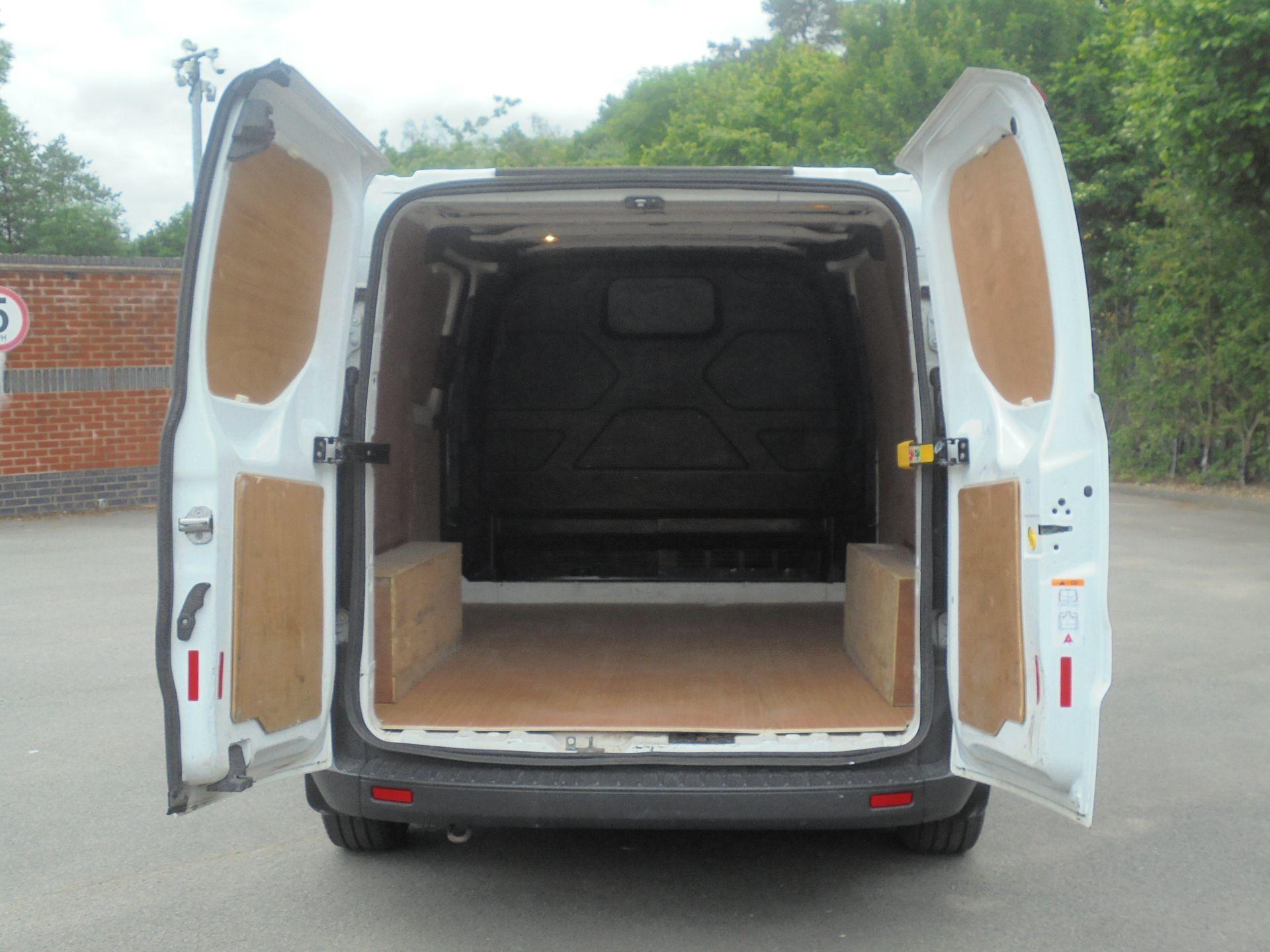 2017 Ford Transit Custom 2.0 Tdci 105Ps Low Roof Van (FA17NZR) Image 9