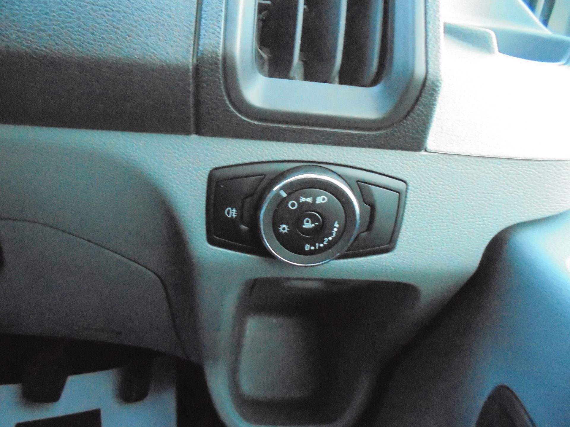 2017 Ford Transit 2.0 Tdci 130Ps H3 Van (FA17RYB) Image 18