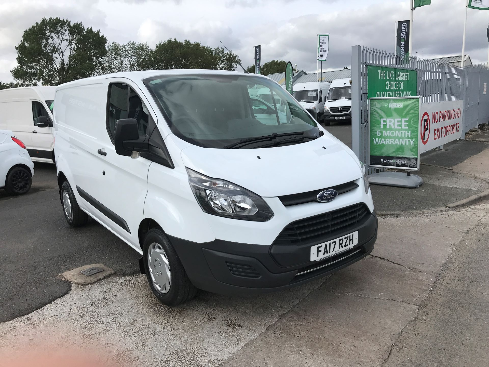2017 Ford Transit Custom 290 L1 2.0TDCI LOW ROOF 105PS (FA17RZH)