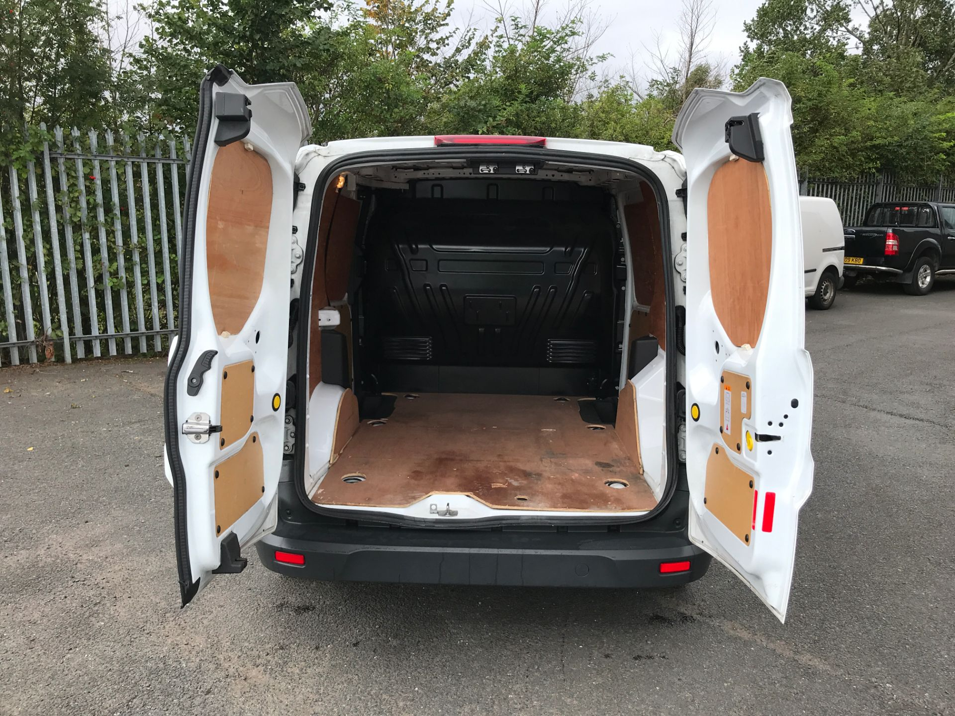 2017 Ford Transit Connect T200 L1 H1 1.5TDCI 75PS EURO 6 (FA17SEY) Image 16