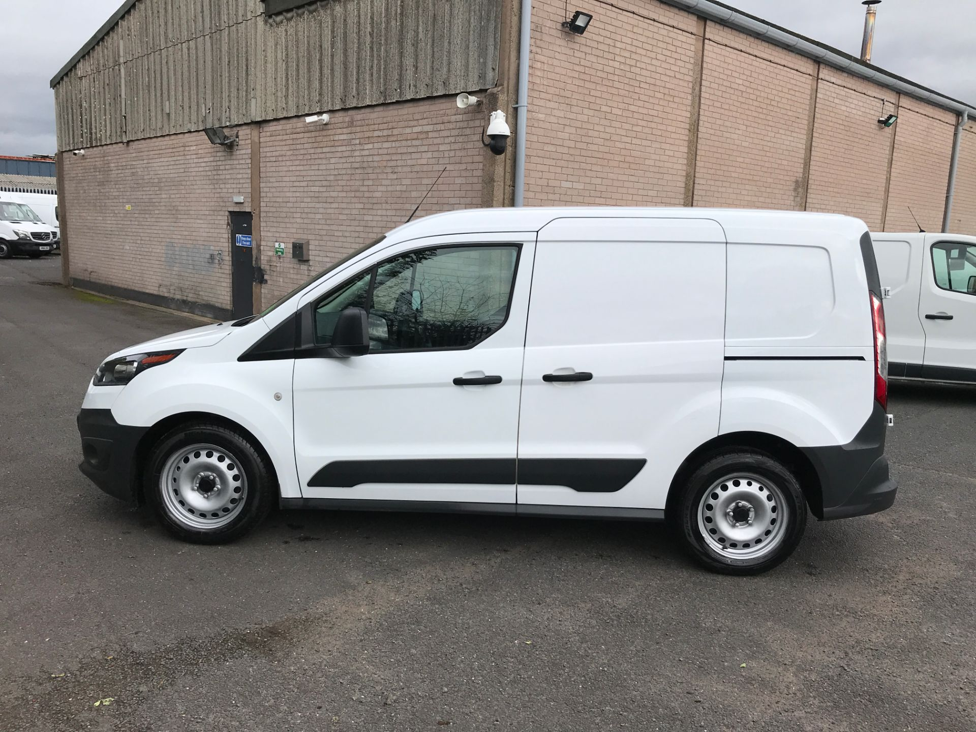 2017 Ford Transit Connect T200 L1 H1 1.5TDCI 75PS EURO 6 (FA17SEY) Image 11