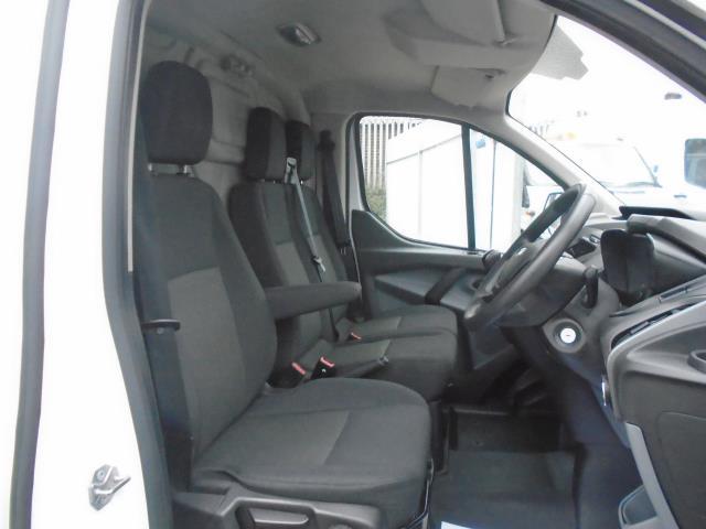 2016 Ford Transit Custom 2.2 Tdci 100Ps Low Roof Van (FA65LXB) Image 16