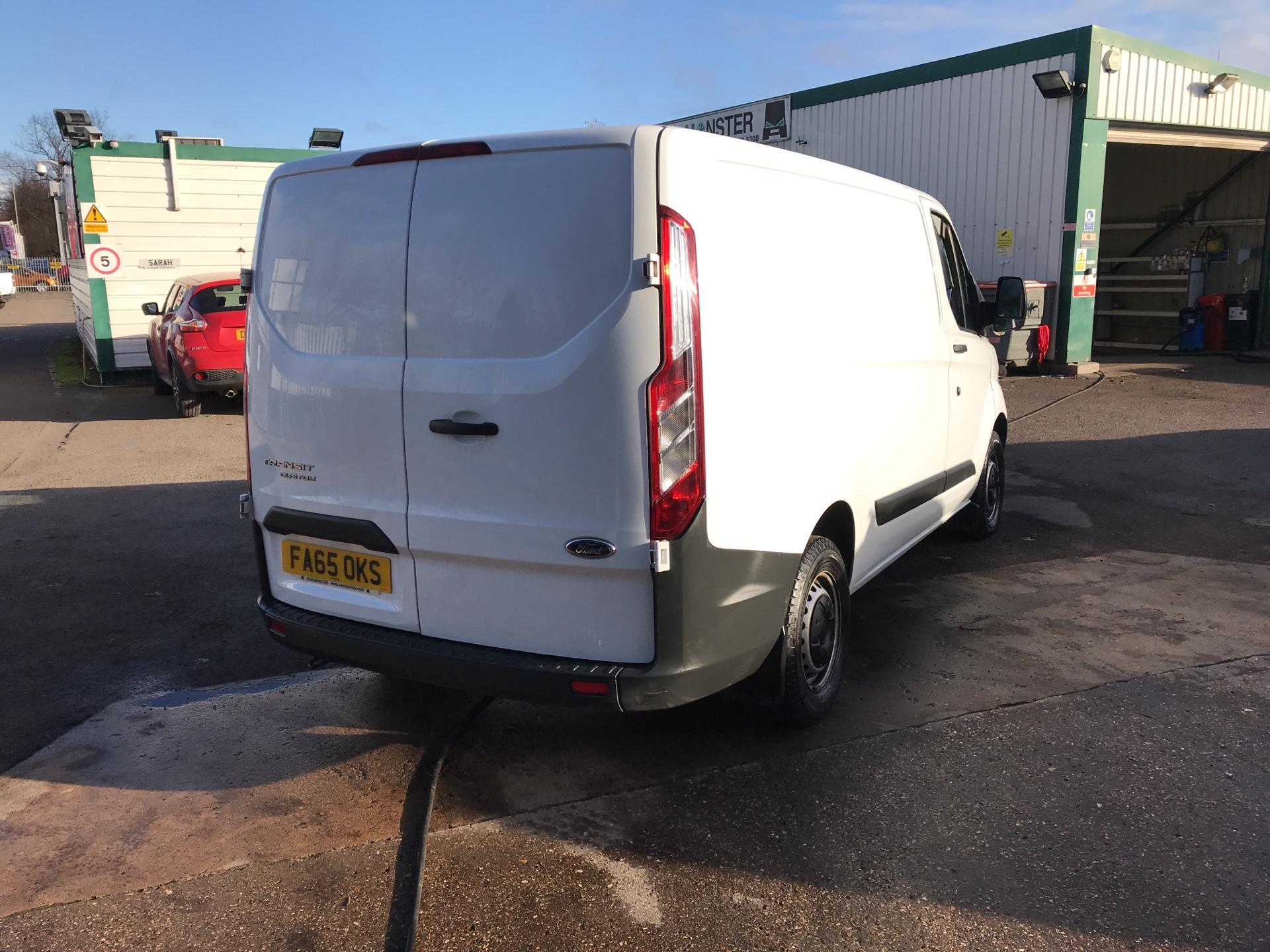 2016 Ford Transit Custom 290 L1 DIESEL FWD 2.2  TDCI 100PS LOW ROOF VAN EURO 5 *VALUE RANGE VEHICLE - CONDITION REFLECTED IN PRICE*  (FA65OKS) Image 3