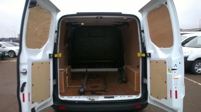 2016 Ford Transit Custom 290 L1 DIESEL FWD 2.2  TDCI 100PS LOW ROOF VAN EURO 5 (FA65OLJ) Image 11