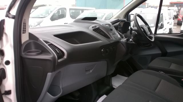 2016 Ford Transit Custom 290 L1 DIESEL FWD 2.2  TDCI 100PS LOW ROOF VAN EURO 5 (FA65OLJ) Image 6